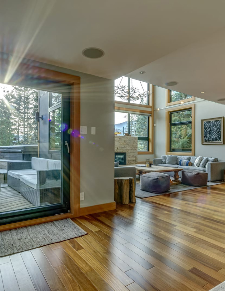 Living room of the Premium Whistler Snowridge vacation home