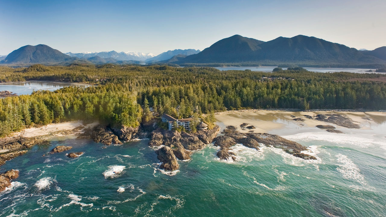 Wickaninnish Inn and Chesterman Beach in Tofino