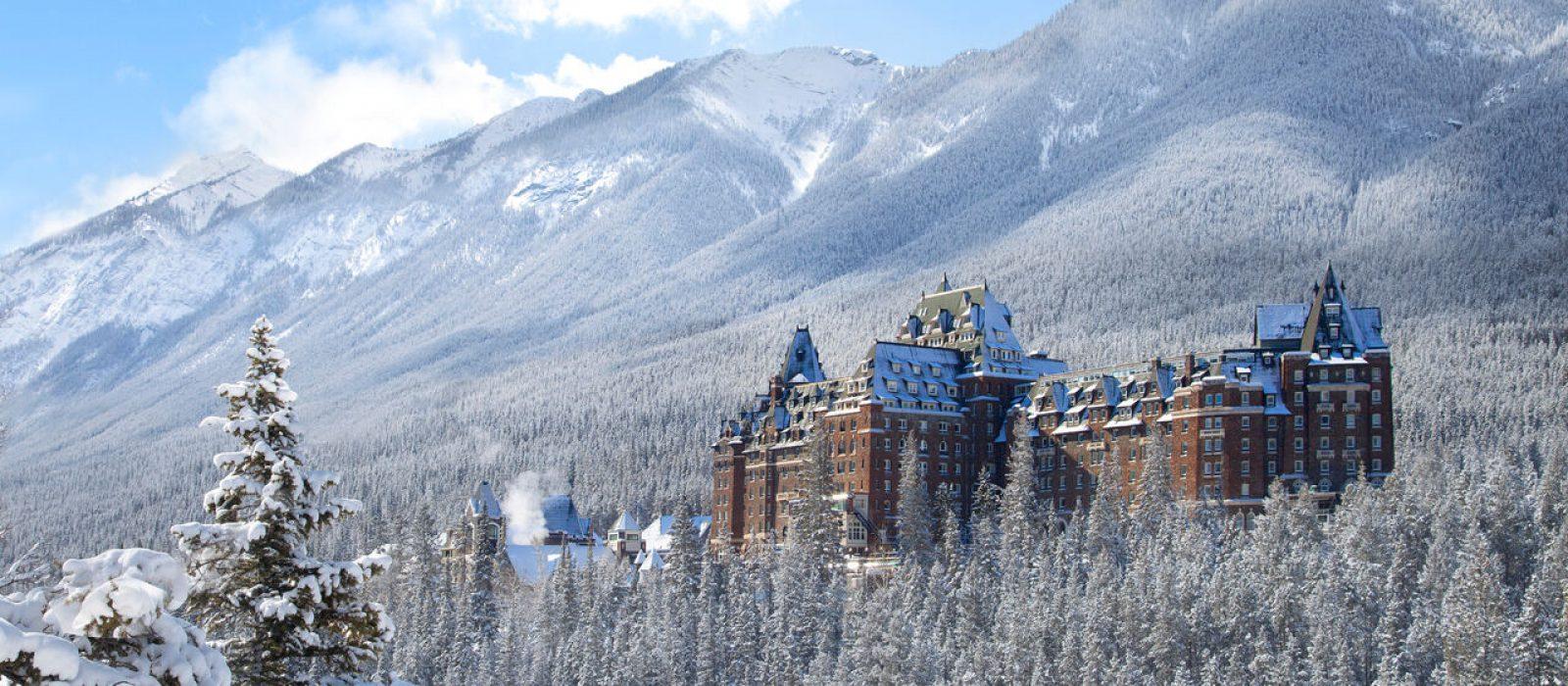 Destination_Accommodation_Winter_BanffSpringsHotel_Credit_Fairmont Resort Hotels